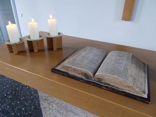 Altarbibel3-min